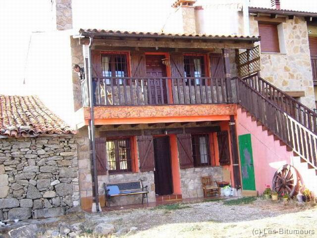 P1010320_resize notre maison est colorée elle aussi